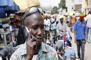 man-makes-phone-call