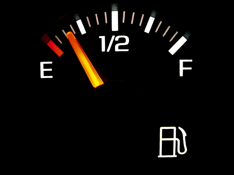 Dangers of Driving with Low Fuel Light on
