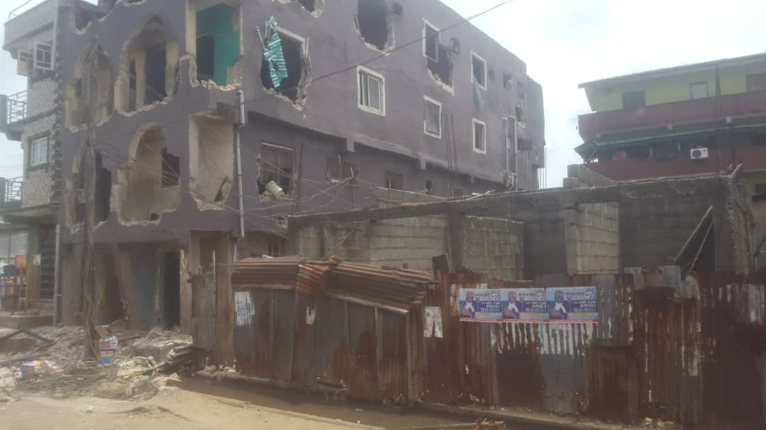 Building collapses in Nigerian city leaving school children trapped