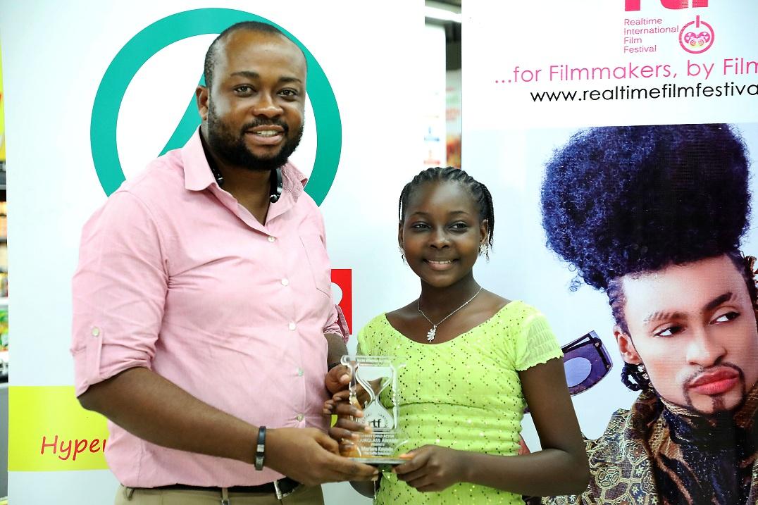 Best Child Actor Gets Gift from SPAR at Realtime Film Festival